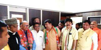 बीकानेर में भाजपा प्रदेशाध्यक्ष अशोक परनामी का स्वागत करते पार्टी के पदाधिकारी।