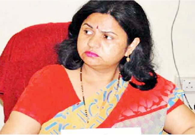 suspended IAS woman nirmla meena